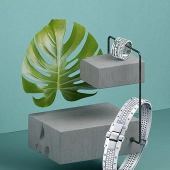 Jewels, plants & concrete